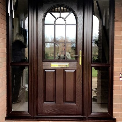 The Coldricks Ross-on-Wye - Door-Stop door with twin Side-Screens in Rosewood