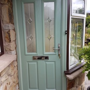Door-Stop Door in Chartwell Green